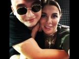 Анна Седокова и какой-то Брюс Ли