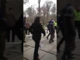 Комунальщики напали на переселенцев, в пансионате Джерело в Пуще-Водице под Кие ...