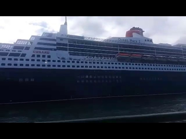 RMS Queen Mary 2 in Sydney 1.3 2017 (Taken by my friend Nicol)