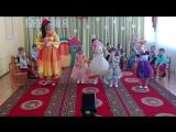 Утренник 8 марта,танец девочек! ( младшая группа )