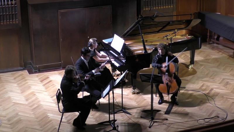 Бис Наталия Рубинштейн (фортепиано) Николай Саченко (скрипка) Кирилл Родин (виолончель) Валентин Урюпин