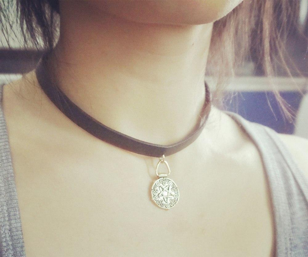 Медальон Yennefer из The Witcher