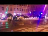В Петербурге таксист с пассажирами пытался скрыться от полиции и попал в аварию