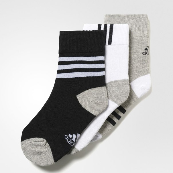 Три пары носков