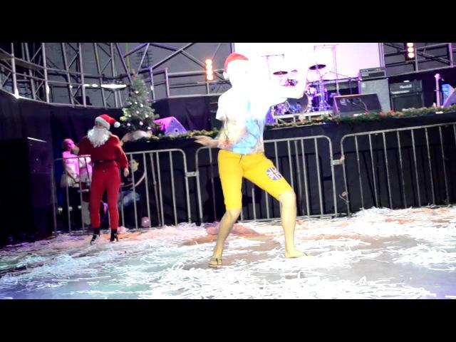 Santa Clones - Crazy Christmas - Just Dance