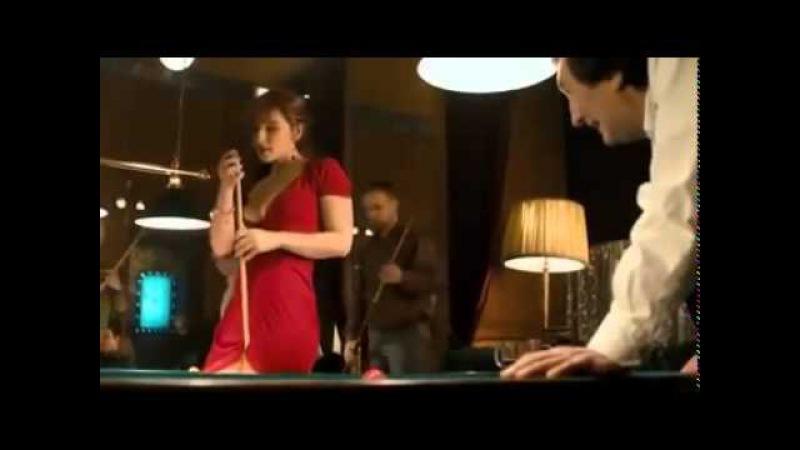 Видео с девушкой из гифки. Сыграли б с ней партейку другую?