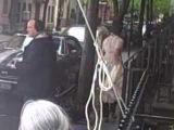Uma Thurman filming