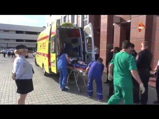 Раненых в перестрелке бандитов GTA и конвоиров вывозят из здания Мособлсуда