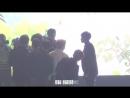 170121 EXO 엑소 네이쳐 옹기종기 셀카봉 사진 찍기 - 맨 뒤에 까치발 세훈 SEHUN 백현 BAEKHYUN 귀여워 @ Nature fa