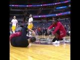 Танцевальный баттл между баскетболистками Washington Mistics и Indiana Fever!