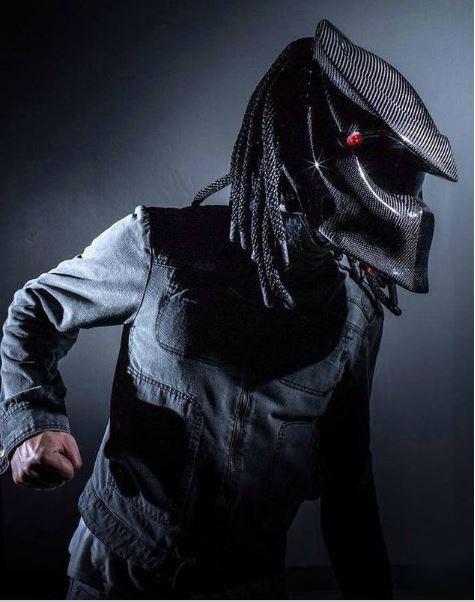 Мото шлем в виде маски Хищника