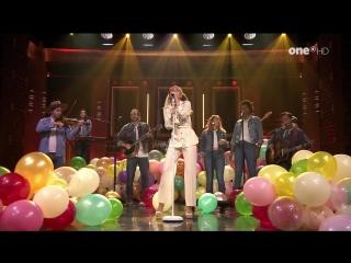 Miley Cyrus - Malibu / Inspired (The Tonight Show Starring Jimmy Fallon - 2017-06-14)