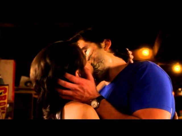 (Smallville)Тайны Смолвиля . Лана и Кларк последний поцелуй .