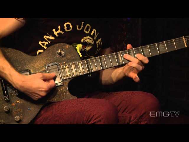 Marty Friedman performs Undertow on EMGtv