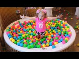 Baby Doll Bath Time with Color Balls, Shibajuku girls Doll, kids toys play with Diana & kids songs