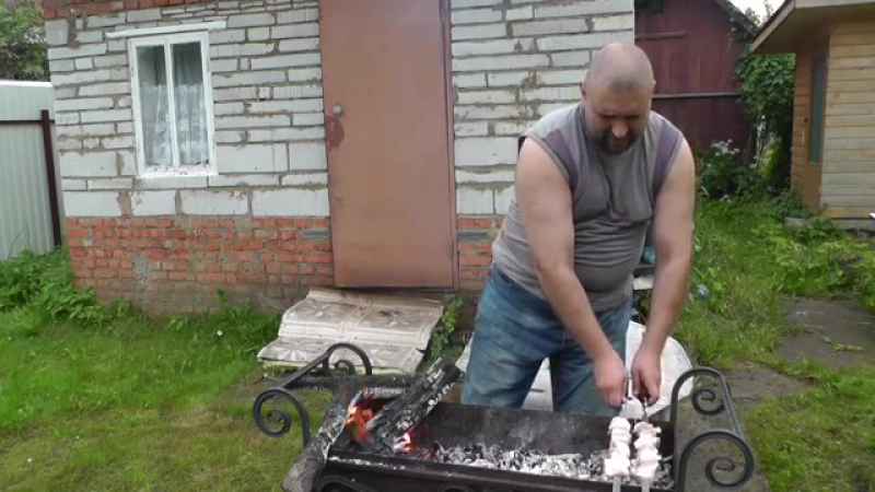 Мегасочный шашлык из свиной шейки (Juicy shish kebab from a pork neck)
