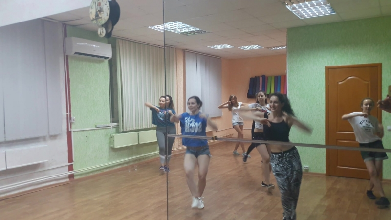Reggaeton  спец.курс  новая связка реггетон с нуля танцы dembow Ляси Тряси
