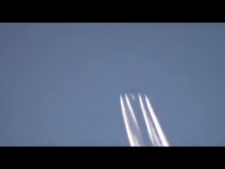 массовое уничтожение_США распыляет химтрейлы над Мариуполем.июль 2017 год
