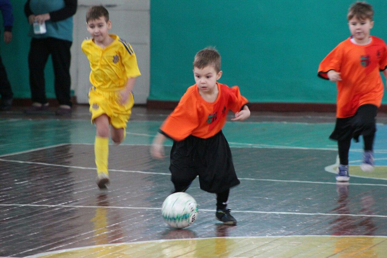 В Добропольском районе прошел 20 по счету рождественский турнир по футзалу.