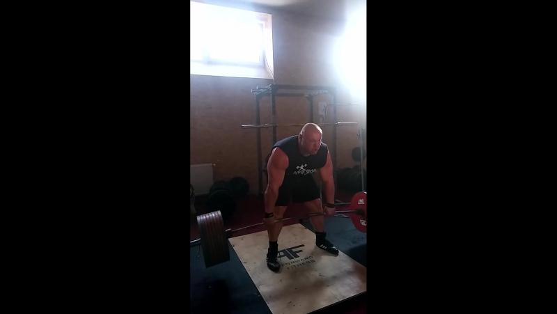 Петр Петраш ( Словакия ), становая тяга без экипировки - 410 кг !