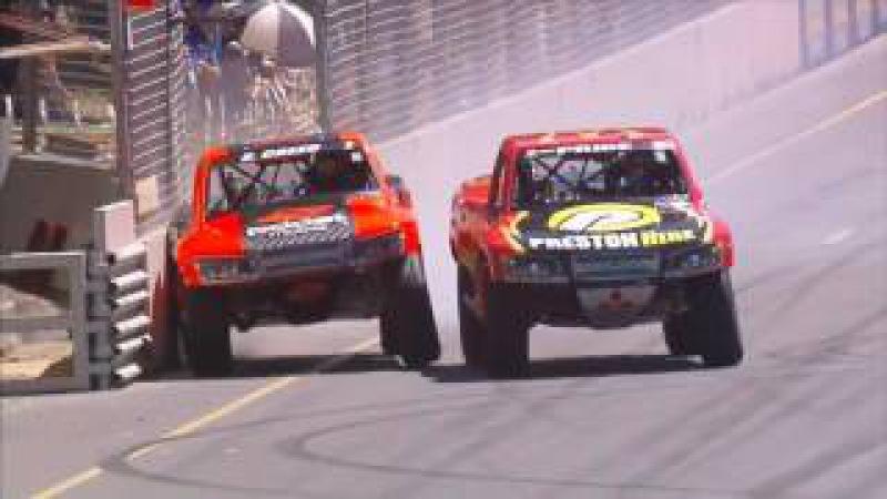 Stadium Super Trucks 2017. Race 2 Adelaide Street Circuit. Last Laps Battle for Win