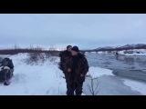 Переправа на снегоходах через реку!