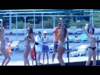 Comedy Woman ГОЛЫЕ танцуют возле бассейна! Камеди вумен разделись на отдыхе