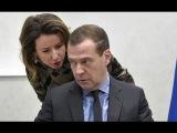Реакция Медведева на фильм Навального  'Он вам не Димон'