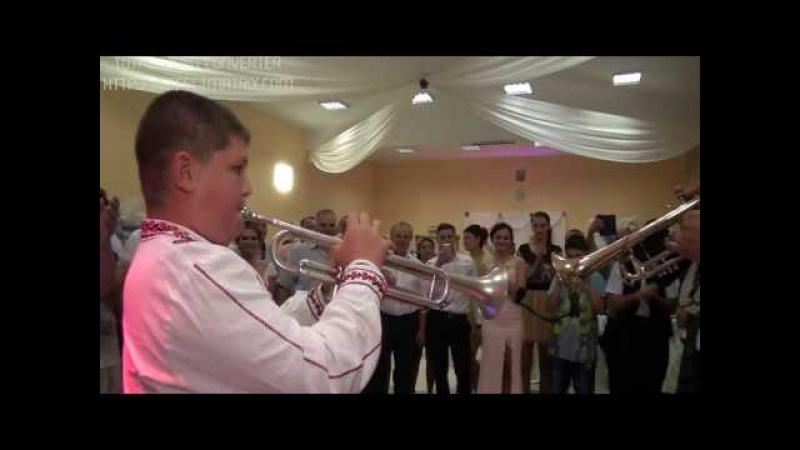 Balcan Denis alaturi de maestrii Fratii Reut la trompeta Ruginoasa fanfara