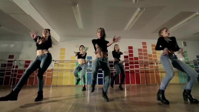Разные танцевальные стили под один трек!