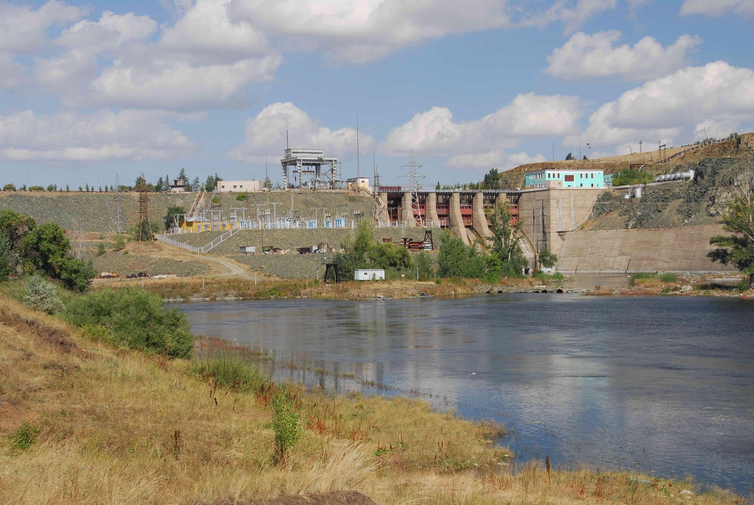 Ириклинский гидроузел на реке Урал