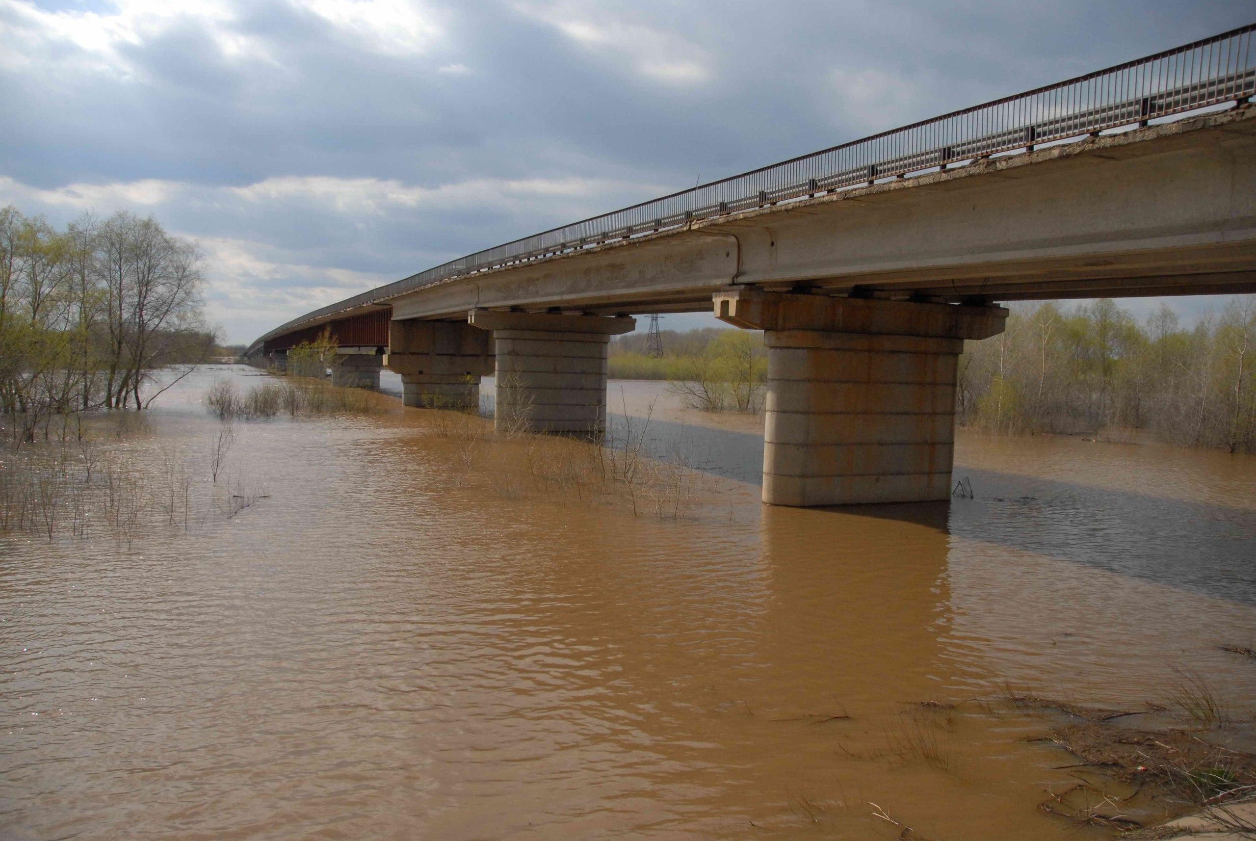 Мост на реку Урал у села Илек