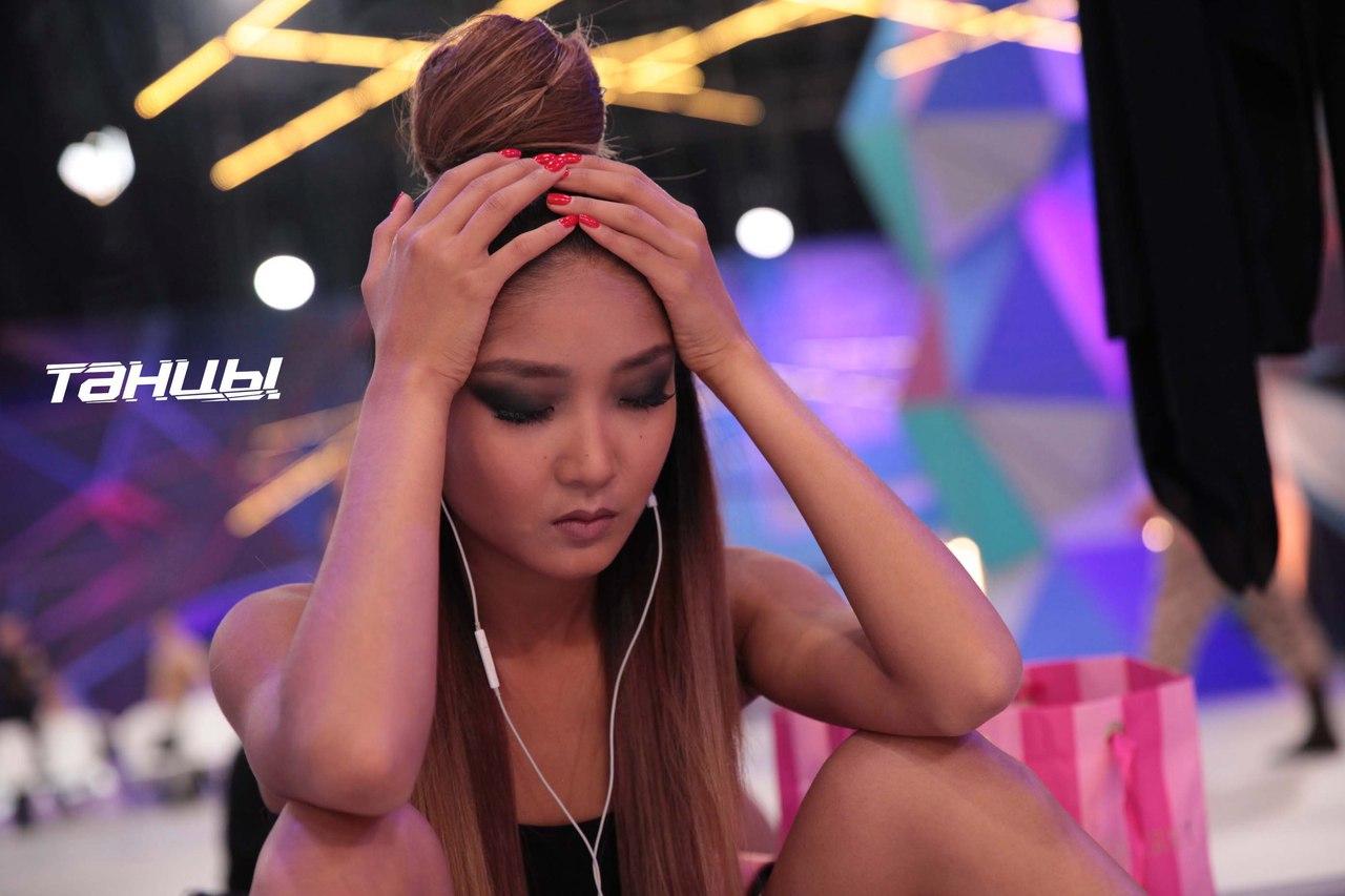 Униженная Ольга Бузова устроила скандал насъемках шоу «Танцы»