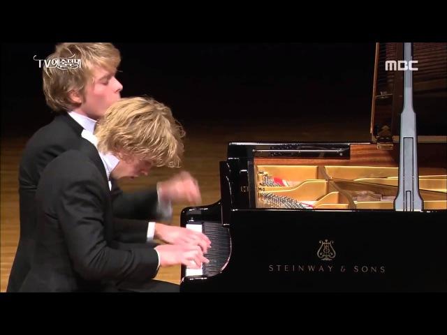 Schubert Fantasie in F minor - Lucas Arthur Jussen