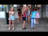Три типа девушек на дискотеке)