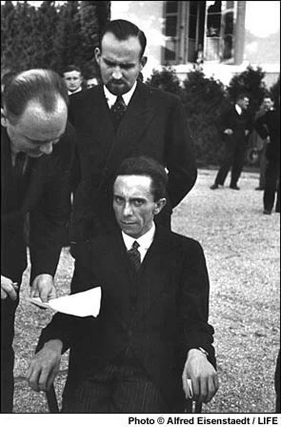 Йозеф Геббельс на конференции Лиги наций, Женева, 1933 год