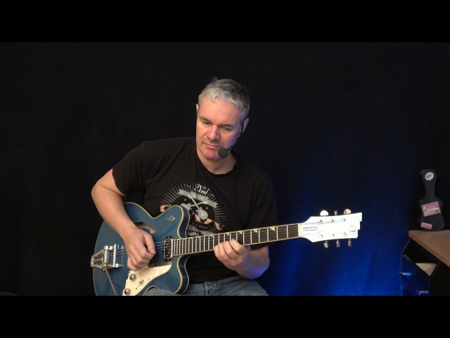 Smooth Latin Jazz Licks ( Dm ) - Guitar Lesson