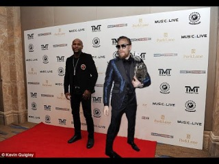 Conor McGregor and Floyd Mayweather in the show held talks on the date carrying out of fight