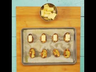 Копченая форель с сыром и печеной картошкой!