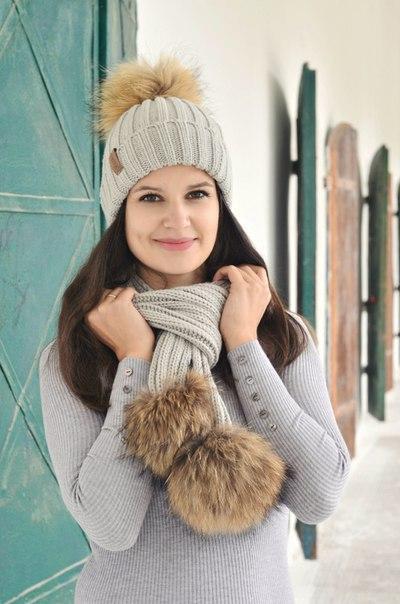 Акриловые шапка + шарф с натуральным мехом Часто видела я