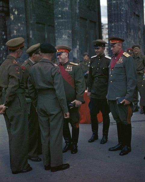 Г.К. Жуков и К.К. Рокоссовский встречают союзников