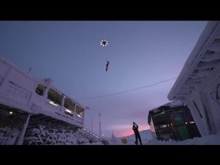 Первый полет человека на сноуборде за дроном!