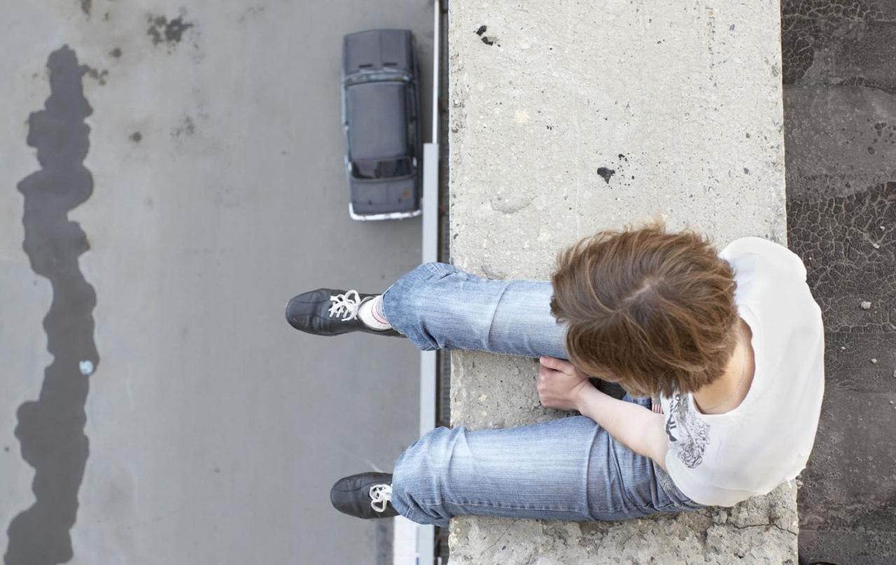 Колпашевская прокуратура запретила детям лазать по крышам