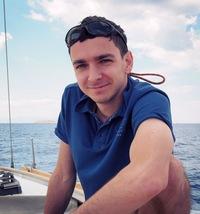 Александр Гузеев