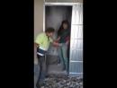 Равшан и Джумшут нервно курят в коридоре!)))