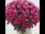 Дарите женщинам цветы, улыбки....