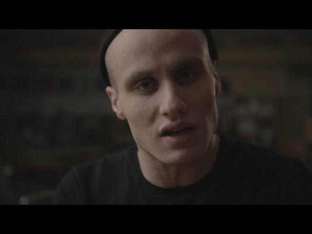 Актер «Гоголь-центра» Никита Кукушкин читает стихотворение Тилля Линдемана «Я не злой»