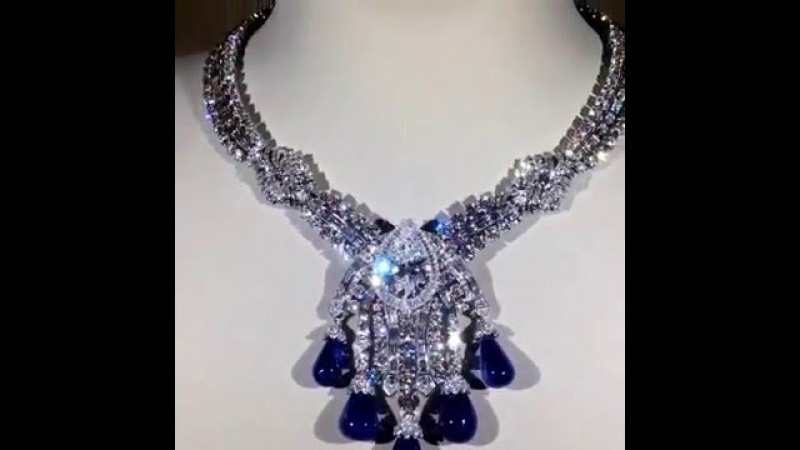 The Bleu Absolu necklace by Van Cleef Arpels