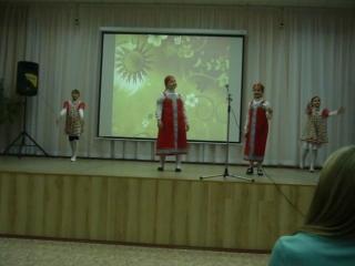 Поют Саша и Алексия--танцуют Полина и Карина !!! Песня