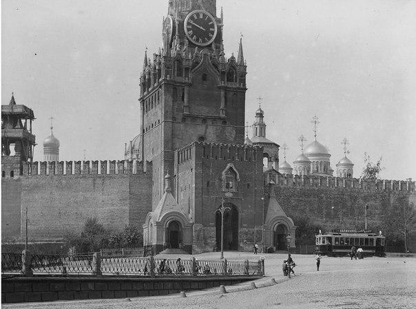 Спасская башня. Московскій Кремль. Начин XX вѣка.